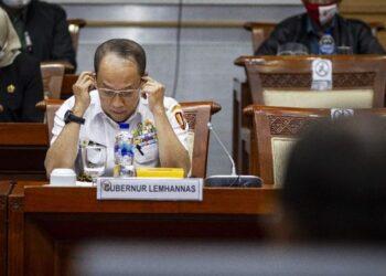 Gubernur Lemhannas Letjen TNI (Purn) Agus Widjojo. (ANTARA FOTO/Dhemas Reviyanto)