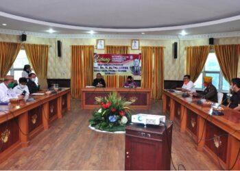 Suasana Sidang TP2GD Provinsi Gorontalo yang dipimpin Wagub Idris Rahim dalam rangka pengusulan Aloei Saboe sebagai Pahlawan Nasional yang berlangsung di ruangan Huyula Gubernuran Gorontalo, Rabu (24/3/2021). (Foto : Haris)