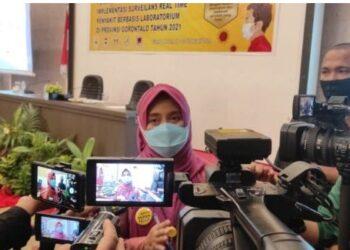 Kepala Dinas Kesehatan Provinsi Gorontalo dr. Yana Yanti Suleman, SH saat diwawancarai media di Grand Q Hotel Kota Gorontalo, Kamis (18/02/2021)