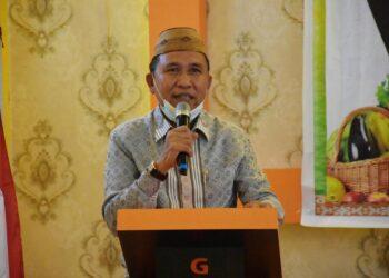 Anas Jusuf saat sambutan pada sosialisasi rehabilitasi hutan dan lahan pola agroforestry tahun 2021 di Hotel Grand Amalia Tilamuta. Kamis, (04/03/2021). (Foto : Humas).
