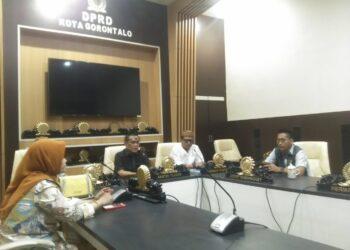 Ariston Tilameo pimpin rapat Komisi