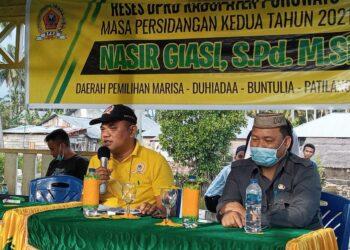 Nasir Giasi, saat Reses dan menanggapi keluhan warga. (Foto : Iskandar/Prosesnews.Id)