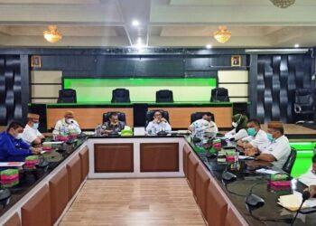 Rapat berlangsung di ruang Madani Kantor Bupati Kabupaten Gorontalo. (Foto : Istimewa).