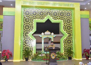 Sambutan Wali Kota Marten Taha pada kegiatan seleksi Tilawah Qur'an dan Hadits (STQH) tingkat Kota Gorontalo.