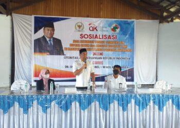 Hamim Pou saat membuka kegiatan sosialisasi OJK sekaligus memberi arahan (Foto : Istimewa)