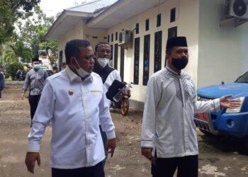 Wakil Bupati Kabupaten Gorontalo, Hendra S.  Hemeto, ketika berkunjung ke salah satu OPD di lingkungan Pemkab Gorontalo. (Foto : Istimewa).