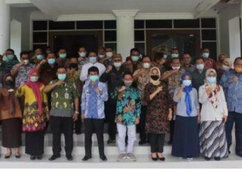 Bupati dan Wakil Bupati Kabupaten Gorontalo dalam kegiatan mengakhiri masa jabatannya. (Foto : Istimewa).