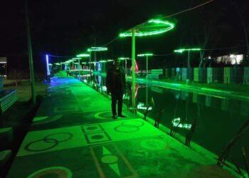 Menikmati Malam di Talulobutu, Desa yang Menyulap Drainase jadi Menjadi Wisata Air