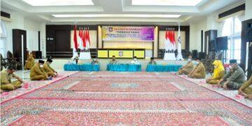 Suasana prosesi adat Tonggeyamo di aula rumah jabatan Gubernur Gorontalo, Senin (12/4/2021). (Foto : Haris)
