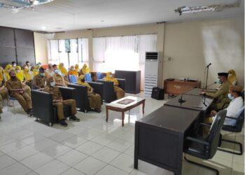 Suasana pelaksanaan halalbihalal di lingkungan Dinas Kominfotik Provinsi Gorontalo, Senin (12/4/2021). Bertindak sebagai penceramah ustadz Rizal Ombingo. (Foto: Alfred-Kominfo).