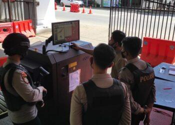 Polda Gorontalo Perketat Penjagaan Dengan Memasang Alat Pendeteksi Barang