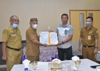 Penandatanganan Kerjasama (MOU), antara Pemkab Pohuwato dengan CV. Anugerah Irapratama (Foto : Istimewa).