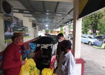 Jelang Ramadan Bazanas Kota Gorontalo Bagikan Sembako Untuk Kaum Duafa