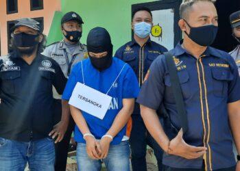 Tersangka Pembunuh Waria di Kota Gorontalo Peragakan 52 Adegan
