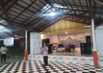 Paris Jusuf selaku Ketua DPRD Provinsi Gorontalo