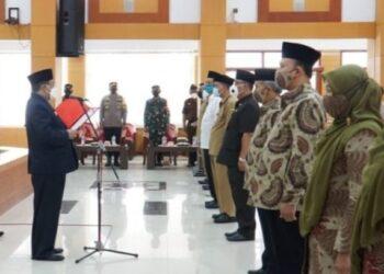 Wali Kota Blitar mengukuhkan pengurus FKUB Kota Blitar periode 2021-2024. (Foto : Istimewa)