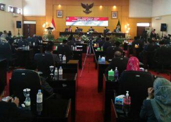 Rapat Paripurna DPRD Kota Blitar dengan agenda penyampaian nota Ranwal RPJMD Kota Blitar 2021 - 2026. (foto: Dwi/prosesnews.id)