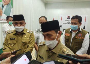 Bupati Kabupaten Gorontalo, Nelson Pomalingo saat ditemui soal pembukaan pasar senggol di Kabupaten Gorontalo. (Foto : Istimewa)