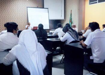 Rapat internal  evaluasi kinerja pegawai, oleh Bappeda Gorontalo Utara. (Foto : Istimewa)