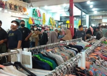 Salah satu kerumunan yang terjadi di pusat perbelanjaan di Kota Gorontalo