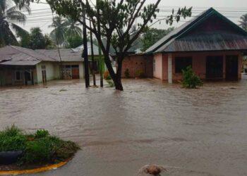 Kondisi rumah warga terendam air banjir