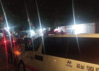 Puluhan Mobil Ambulance Dikerahkan Untuk Mengevakuasi Korban Keracunan