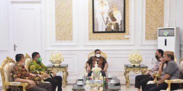 SilaturahmiPanitia Nasional (Silatnas) III di kediamannya Rumah Dinas (Rudis)
