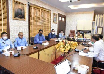 Rapat Evaluasi kinerja PDAM Muara Tirta Kota Gorontalo, yang dipimpin langsung Wali Kota Gorontalo, Marten Taha