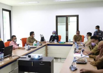 Wabup Merlan Uloli, rapat bersama dengan Dinas parawisata Bonebol (Foto : Istimewa)