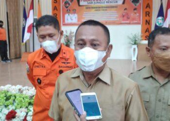 Sekertaris Daerah Gorontalo Utara, Ridwan Yasin, usai mengikuti pembukaan latihan Potensi SAR JUNGLE RESCUE di Aula Germas Kantor Bupati Gorontalo Utara. (Foto : Istimewa)