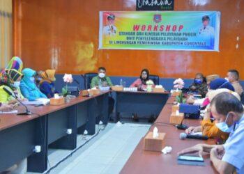 Workshop Standar dan Kinerja Pelayanan Publik Unit Penyelenggara Pelayanan di Lingkungan Pemkab Gorontalo. (Foto : Istimewa)