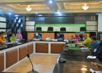 Rapat Penilaian Mandiri Pelaksanaan Reformasi Birokrasi (PMPRB) yang dipimpin langsung oleh Bupati Kabupaten Gorontalo, Nelson Pomalingo. (Foot : istimewa)