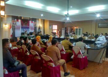Pemkab Gorontalo Utara, saat memperingati Hari Anti Narkotika Nasional (Hani) 2021, oleh Lembaga Pemerintah seluruh Indonesia melalui virtual, di Kantor Bupati Gorontalo Utara. (Foto:Sukri)