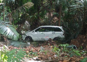 Kondisi mobil Avanza yang masuk jurang di Pontolo, Kwandang. (Foto : Istimewa)