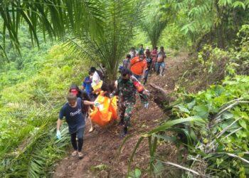 Proses evakuasi mayat