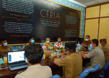 Wakil Bupati Gorontalo Utara Thariq Modanggu, memimpin rapat evaluasi PTSL bersama 8 Camat dan pihak BPN Gorontalo Utara. (Foto : Istimewa)