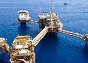 Ilustrasi Eksplorasi minyak. shutterstock