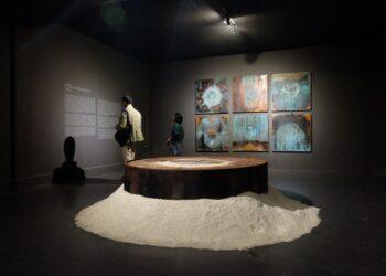 Ilustrasi ruang Pameran Seni Rupa ArtJog sebelum masa pandemi tahun 2019. (Foto: Shutterstock/Rongaphotography)