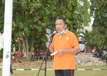 Plt Bupati Boalemo Anas Jusuf, saat sambutan pencanangan HUT-RI dan HUT Boalemo di lapangan Alun-alun Tilamuta. (Foto : Nandar)