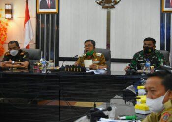 Jajaran Forkopimda Gorontalo Utara melakukan rapat terkait penerapan protokol kesehatan. (Foto : Istimewa)