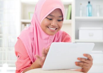 Ilustrasi pelajar cakap digital. (Foto ilustrasi: 123rf/szefei)